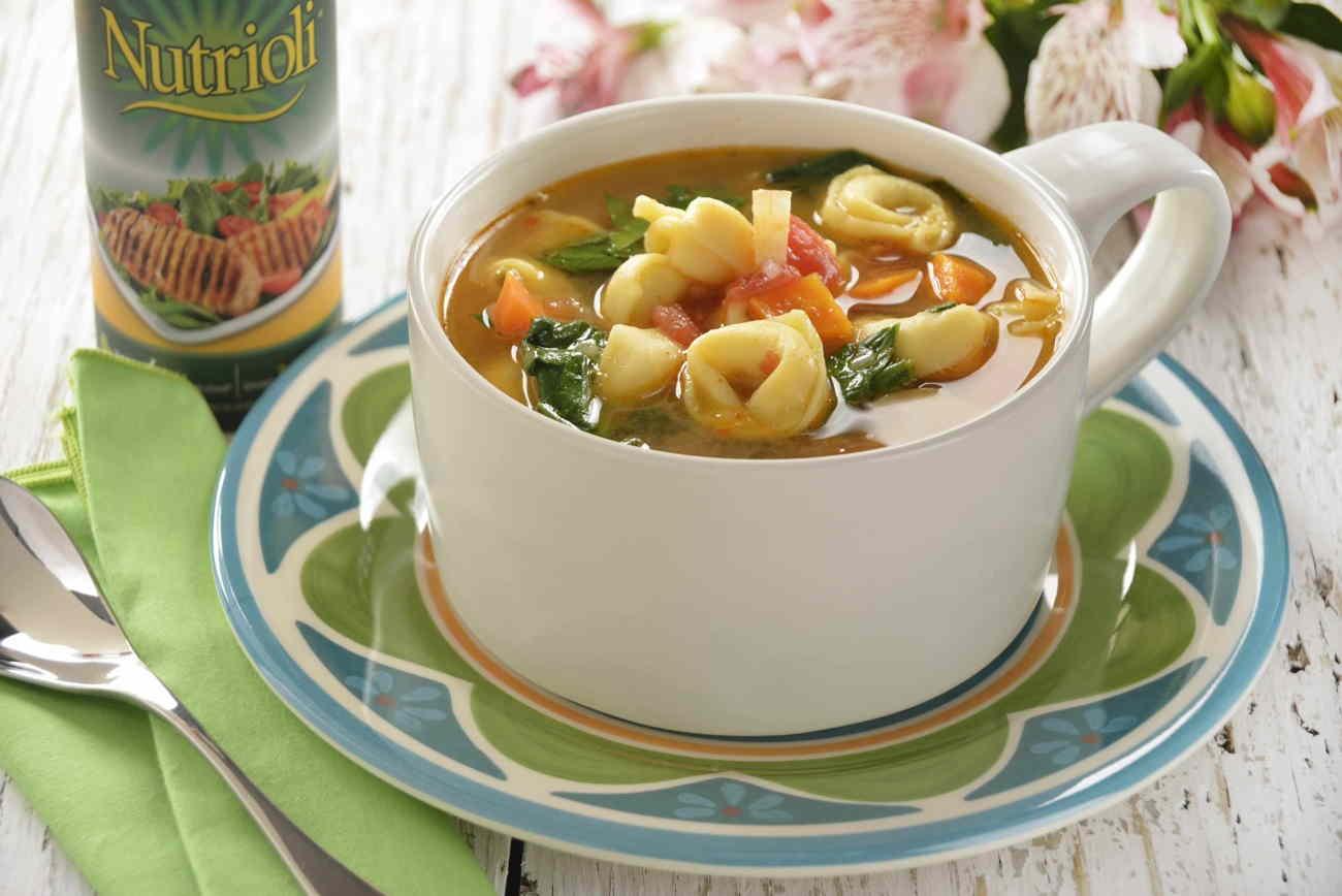 sopa de espinaca y tortellinis
