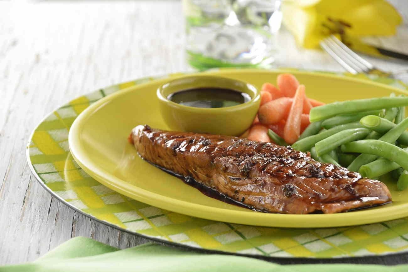 salmón en salsa de soya y balsámico