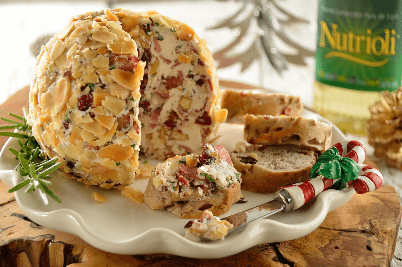 Bacon and Almond Cheese Ball