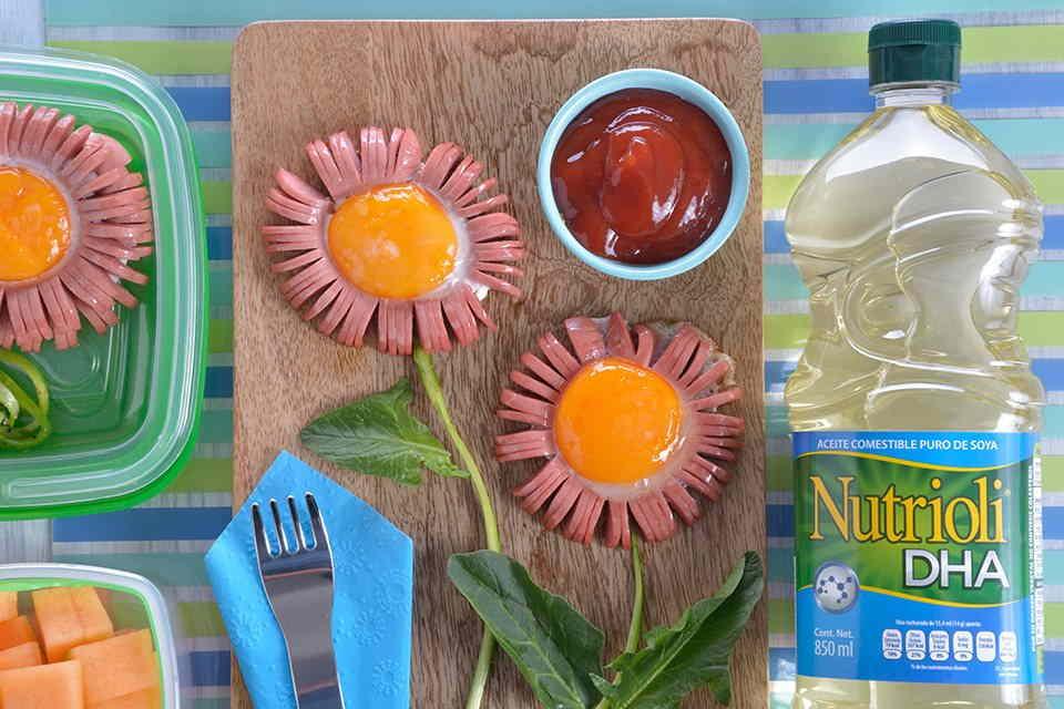 Florecita-de-salchicha-con-huevo-2
