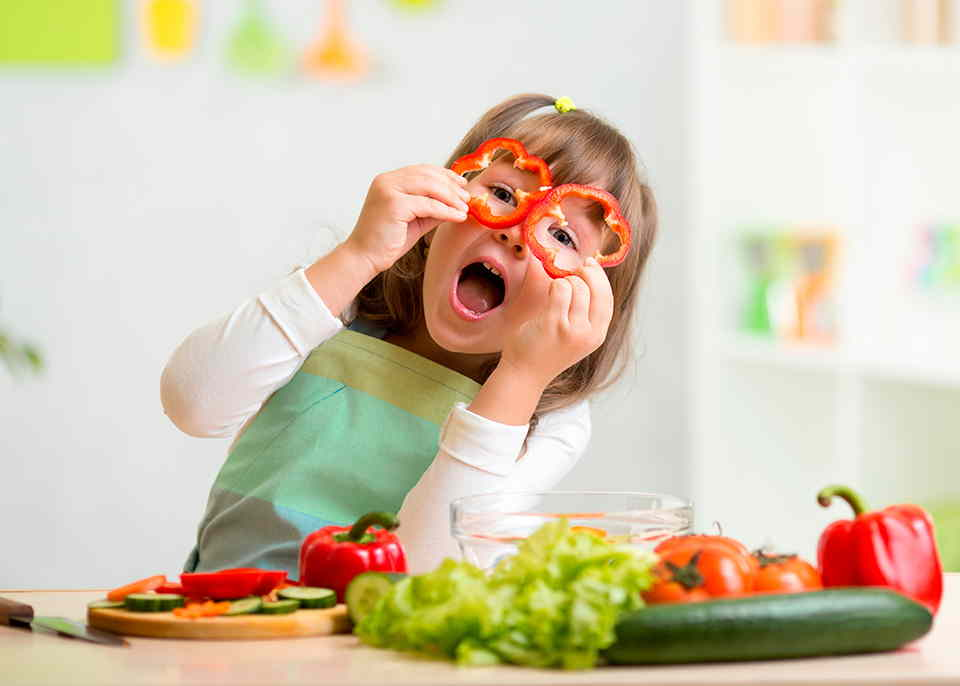 Que-hacer-si-tu-hijo-no-quiere-comer-saludable