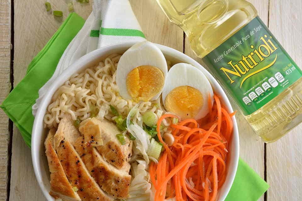bowl-de-ramen-con-pollo
