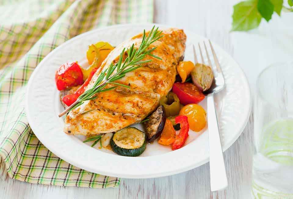 consejos para comer saludable fuera de casa